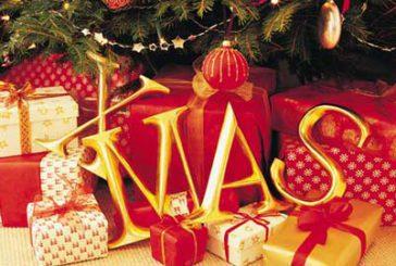 Pochi doni e regali riciclati per il Natale turistico