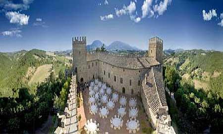 Anche il fermano nel progetto 39 castelli medievali 39 travelnostop - Finestre castelli medievali ...