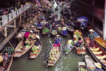 La Thailandia adotta nuove misure per gestire il flusso dei visitatori