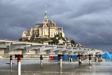 Francia, apre discussa passerella Mont-Saint-Michel dopo tre anni di lavori