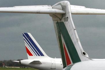 Air France-Klm diluirà ancora quota dentro Alitalia