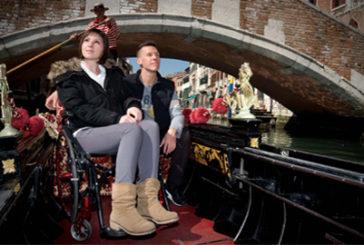 A Venezia le gondole sono accessibili anche alle sedie a rotelle