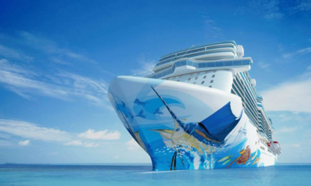 Guy Harvey Decora Lo Scafo Della Norwegian Escape