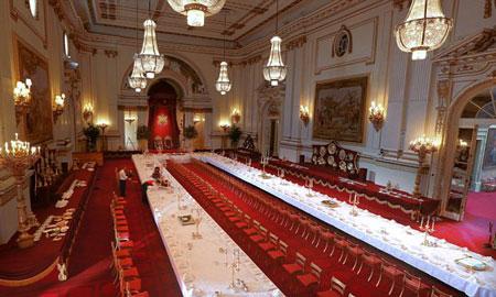 Londra buckingham palace svela segreti banchetti ai - Buckingham palace interno ...
