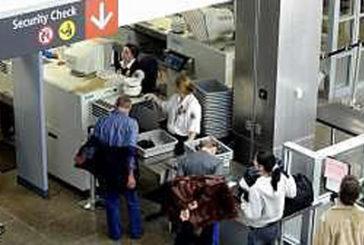Negli aeroporti Usa libri fuori da valigia come pc ai controlli