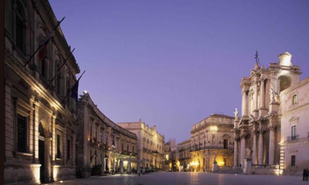 Siracusa nasce comitato pro ortigia si a turismo ma for Hotel siracusa centro storico