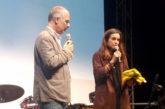 5 vele a Salina e il sindaco consegna la bandiera a Kasia Smutniak