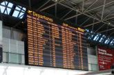 Voli cancellati negli aeroporti italiani per lo sciopero, ma niente file