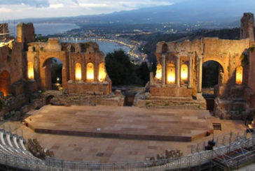 I turisti invadono Taormina, pienone da record ad agosto