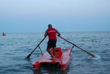 Turista muore in spiaggia Rimini senza bagnini, è polemica