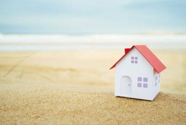 Confcommercio: crescono acquisti case vacanze ma i prezzi calano
