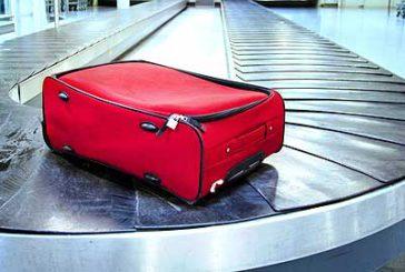 Furto bagagli a Fiumicino, denunciati 5 dipendenti Alitalia