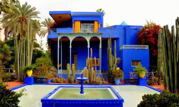 fb28844e426 Due musei, uno a Parigi e l'altro a Marrakech, per celebrare il mito di  Yves Saint Laurent, lo stilista che deve molta parte della sua ispirazione  ai colori ...