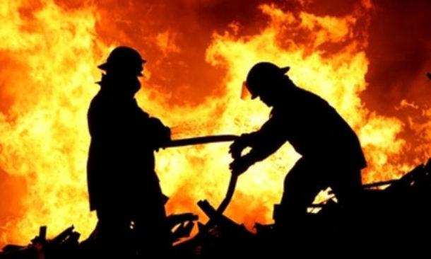 In Grecia centinaia di turisti evacuati per incendi