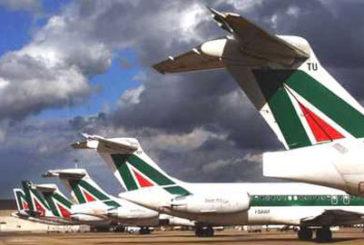 Alitalia, oggi arriva il bando: due mesi per offerte vincolanti