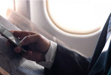 Smartphone compagno di viaggio sempre più indispensabile per chi vola