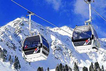 In Trentino la magia della neve dall'alba al tramonto