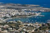 Lampedusa isolata per maltempo, sindaco: serve nave più moderna