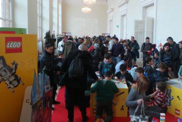 I mattoncini Lego a Rimini per coltivare la fantasia di grandi e piccini