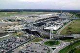 Migrante respinto si lancia da aereo, piste chiuse per ore a Malpensa