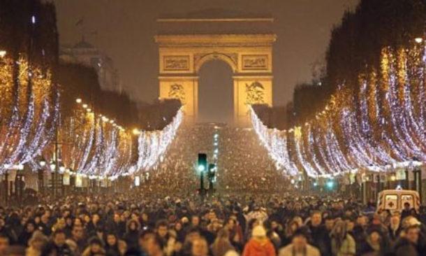 Capodanno a parigi sugli champs elys es blindati attese for Parigi champ elisee