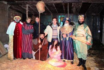 La neve ha contribuito ad ammaliare i visitatori del presepe vivente di Gangi