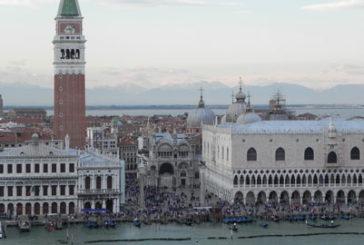 Nave da crociera in avaria a Venezia, cittadini allarmati