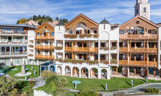 S valentino sulla neve all 39 hotel schgaguler di castelrotto travelnostop - Hotel castelrotto con piscina ...