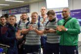 La nazionale irlandese di rugby accolta a Fiumicino con flash mob 'canoro'