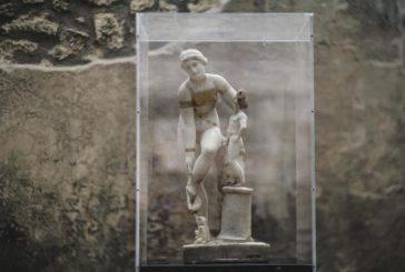 Per l'8 marzo Pompei veste con un trikini d'oro la dea Venere