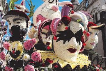 Ad Acireale è carnevale anche a maggio con la parata dei carri infiorati