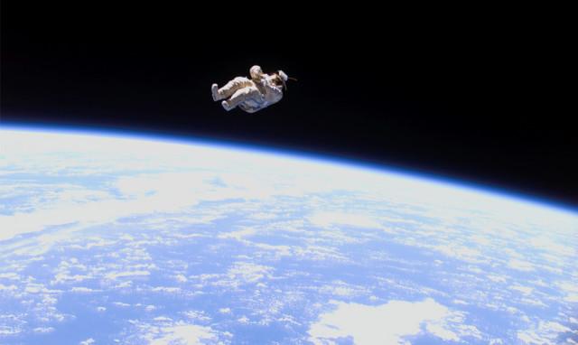 Astronauta Flotando En El Espacio Exterior: Ecco Le Attrazioni Spaziali Più Famose Del Mondo