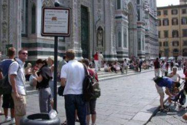 Torna a Firenze ordinanza 'anti bivacco' tra Palazzo Vecchio e Uffizi