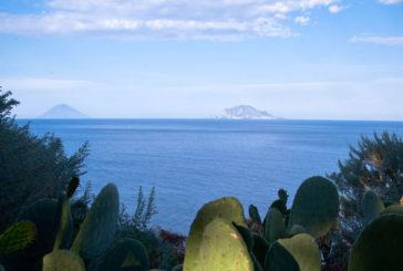 In treno storico da Messina alle Eolie per il Salina Isola Slow