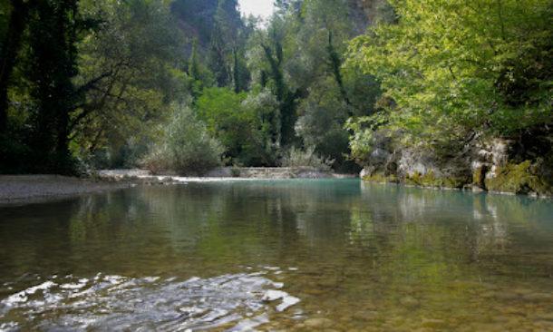 Multe in Abruzzo per chi fa il bagno in laghi e torrenti - Travelnostop