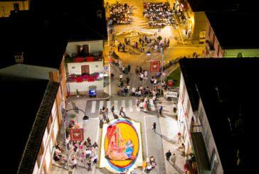Il Grand Tour delle Marche fa tappa a Castelraimondo per l'Infiorata