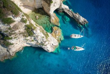 Yoga e barca a vela si sposano nella proposta di Sailsquare