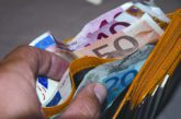 Italiani spendono meno per le vacanze grazie a boom di prenotazioni online