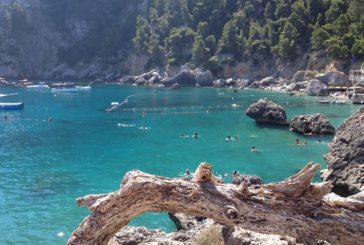 Capri dice stop ai diportisti allo Scoglio delle Sirene