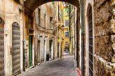 A Genova un percorso di mattoncini rossi per guidare i turisti tra i vicoli