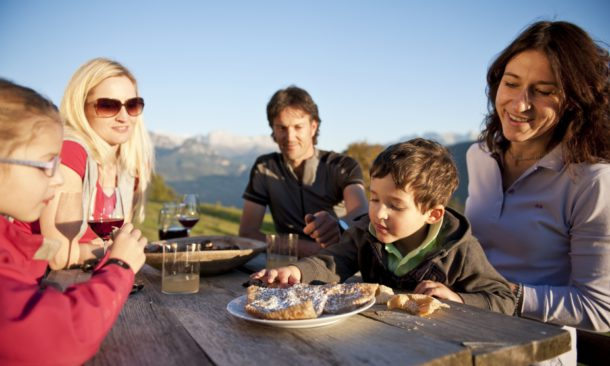 Rivolta contro la Boschi in Alto Adige: in 14 lasciano il Pd
