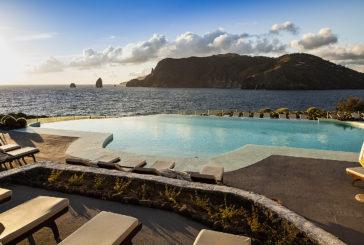 Al Therasia Resort di Vulcano l'estate continua sino al 14 ottobre