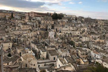 Matera 2019, il centro storico si colora con le bandiera della Captale della Cultura