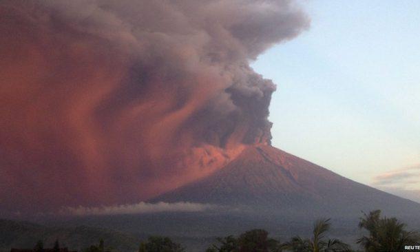 A Bali erutta il vulcano Agung