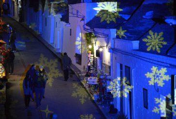 Atmosfera natalizia tra i trulli di Alberobello