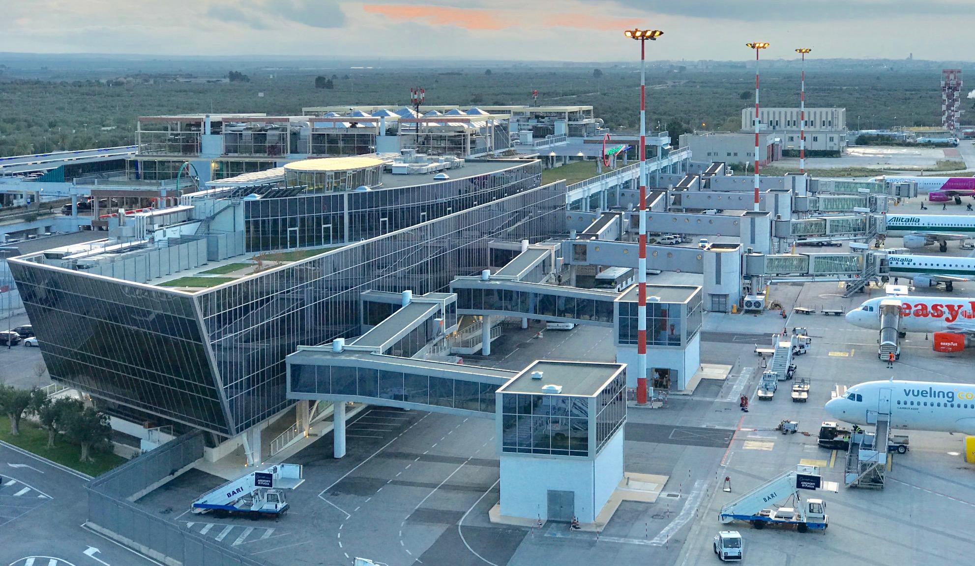 Tornano a crescere i pax negli aeroporti di brindisi e for Numero abitanti di bari