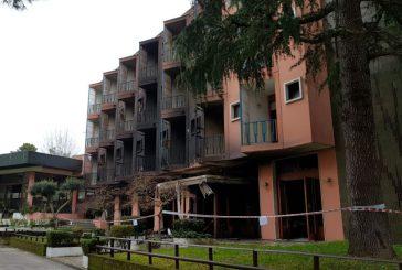 Incendio distrugge Plaza Hotel di Grado, ancora nessuna ipotesi sulle cause
