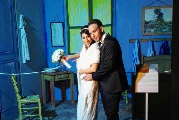 La mostra Van Gogh Multimedia Experience diventa set fotografico per gli sposi