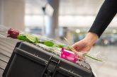 Rose sui nastri ritiro bagagli: Qatar Airways stupisce i suoi passeggeri per San Valentino