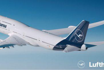 Dopo 100 anni Lufthansa cambia logo e sceglie il blu